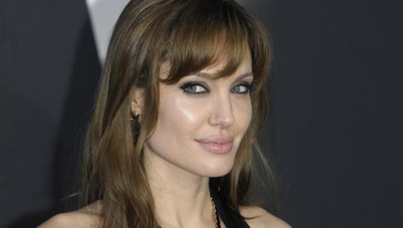 Angelina Jolie va juca rolul reginei Cleopatra