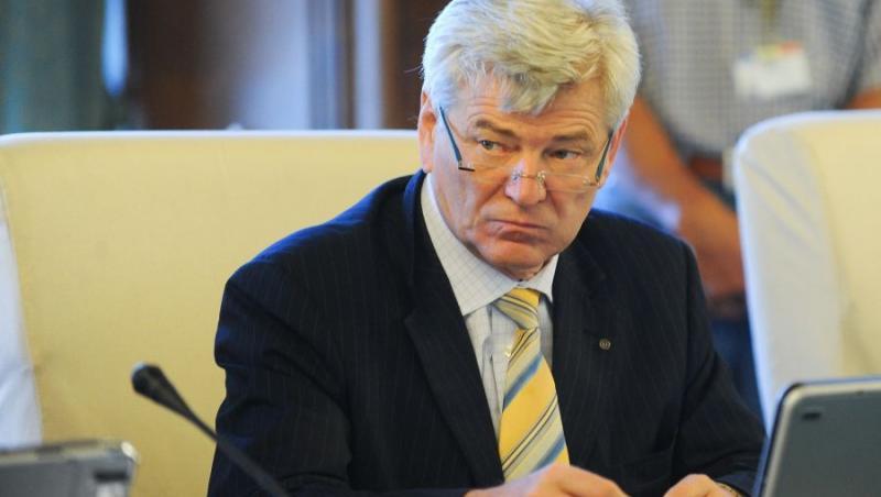 Ministrul Agriculturii, Valeriu Tabara, certat de un batran din Maramures
