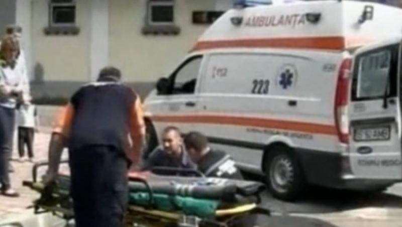 Barbatul resuscitat miercuri in fata spitalului inchis din Codlea a murit