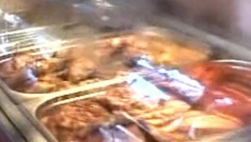 VIDEO! Terasele cu mancare veche de pe litoral, amendate de Protectia Consumatorilor