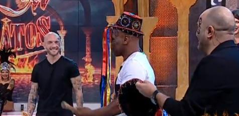 Mike Tyson, provocat să încerce Dansul Călușarilor! Pugilistul chiar a făcut show de zile mari! (VIDEO)