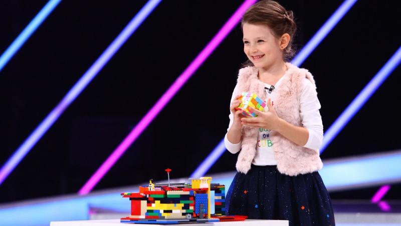 """O fetiță de șase ani care rezolvă cubul Rubik și alte puzzle-uri mecanice îl șochează pe CRBL, la """"Next Star"""""""