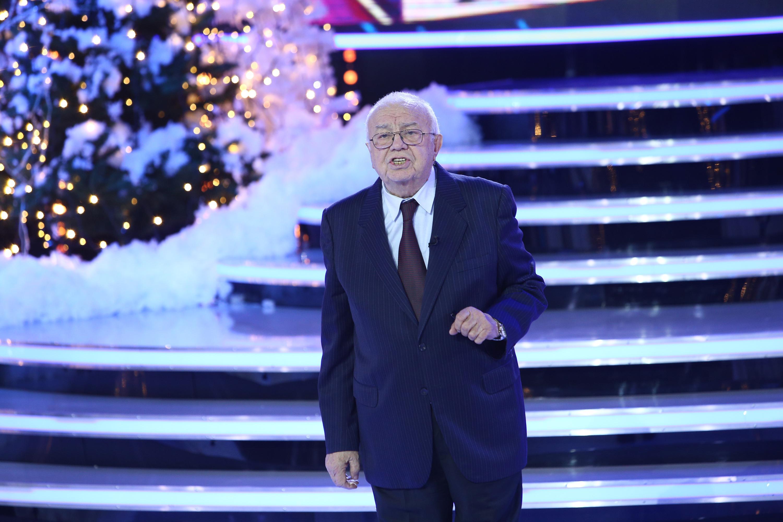Maestrul Alexandru Arșinel ne-a făcut să râdem în hohote cu prezența sa la un ,,Show și-așa''! Un moment artistic excepțional!