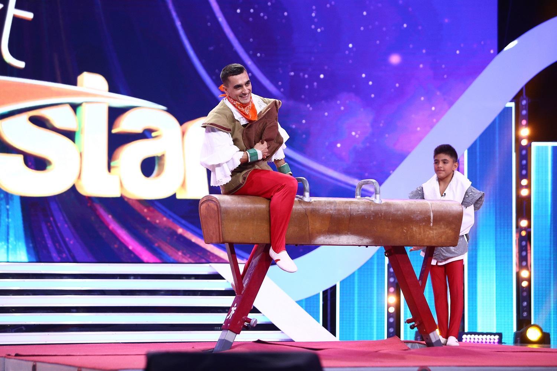 """Sâmbătă, de la 20:00, pe Antena 1. Marian Drãgulescu în rol de Sancho Panza la """"Next Star"""""""