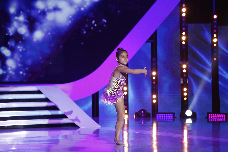 """Un munte de ambiție, nu glumă! Giorgia, fetița cu un picior amputat, care face gimnastică! Jurații, impresionați până la lacrimi: """"Mi-am propus să nu mai spun <<nu pot>>"""""""