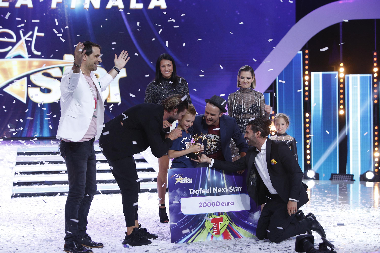 """Finala celui de-al nouălea sezon al emisiunii """"Next Star"""", câștigată de """"Micul Einstein"""" de România! Mihai Dobre i-a uimit pe toți!"""