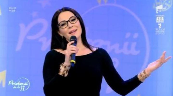 ,,Prietenii de la 11''.Angela Rusu își încântă fanii cu o melodie superbă despre iubire. Ascult-o și tu chiar acum