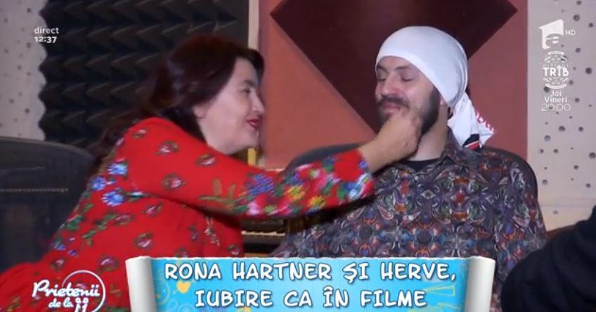 """,,Prietenii de la 11"""" Rona Hartner şi Herve se iubesc ca în filme! """"Vrem să facem nunta pe plajă"""""""