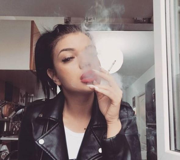 Cum aprinzi țigara la microunde? Diana Iuliana îți arată cum, la emisiunea Like a star!