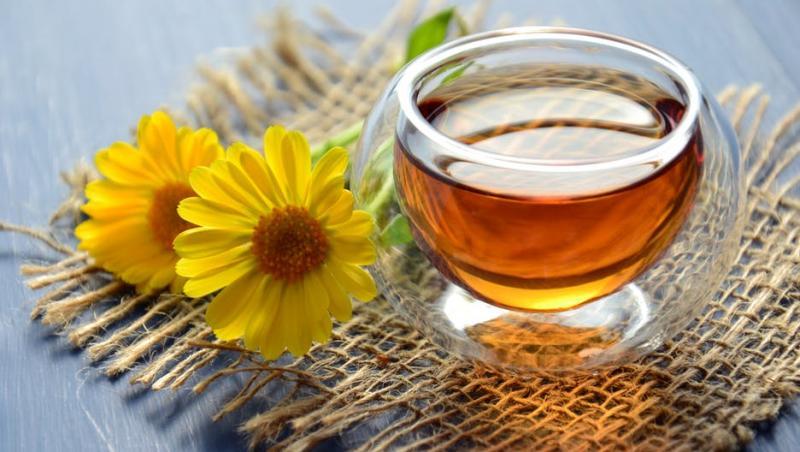 ceaiul de galbenele slabeste)