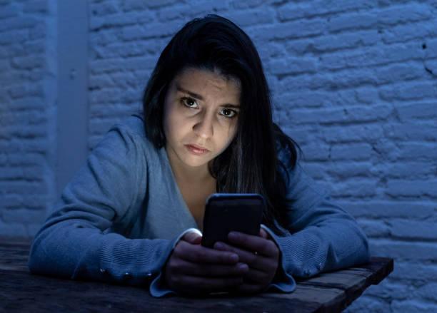O femeie s-a făcut de râs, după ce a trimis o poză șefului, pe Whatsapp! Ce detaliu rușinos s-a văzut