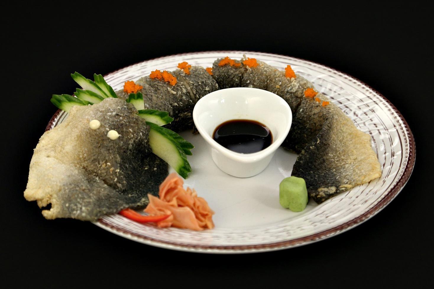 Un altfel de sushi. Rețeta Dragon rolls
