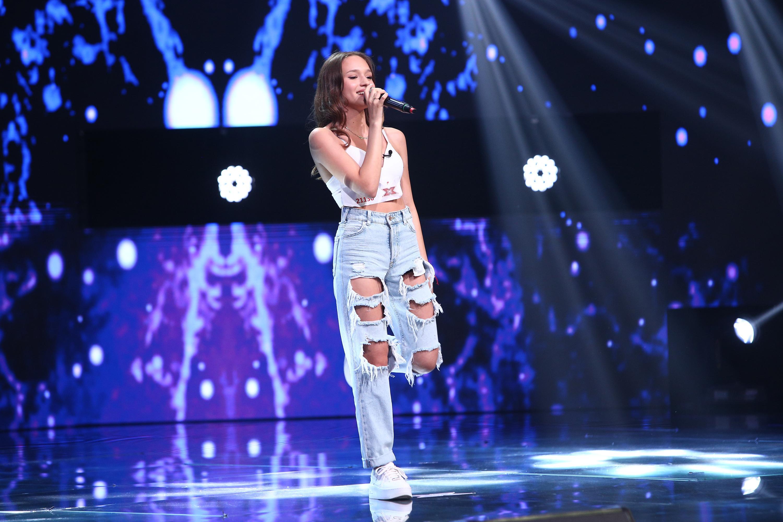 """X Factor 2020. Karina Ștefan i-a impresionat pe jurați cu aspectul ei dulce. Ristei: Te văd într-un grup de tip """"Pussycat Dolls"""""""