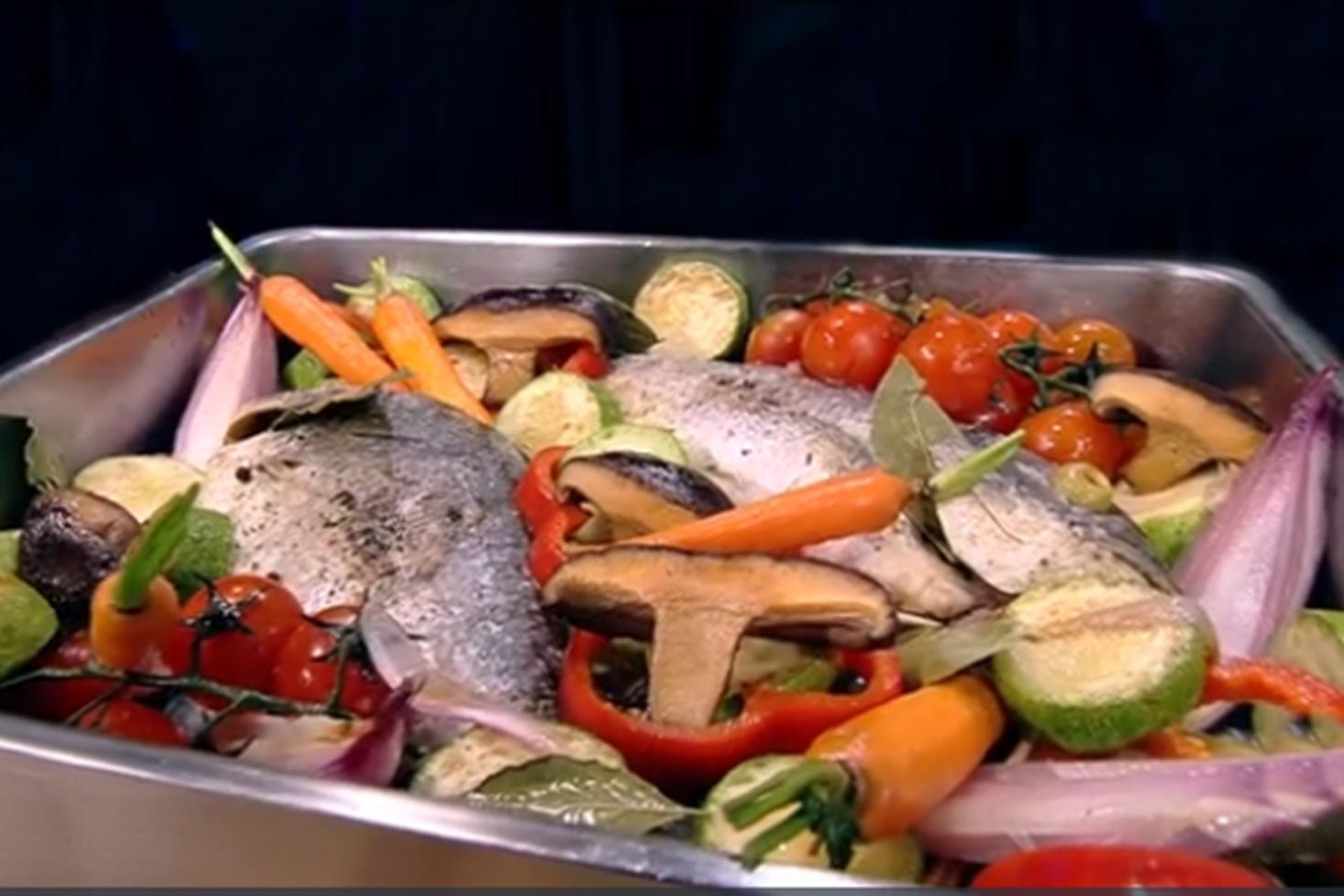 Rețetă cu pește. Dorada cu legume la cuptor