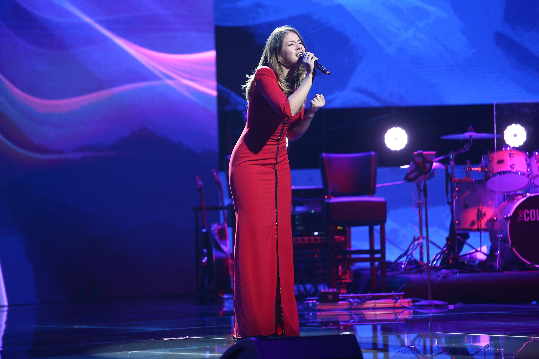 """X Factor 2020. Marina Vlad, moment plin de eleganță în Bootcamp. Bănică: """"Ești frumoasă și ai știut să-ți pui în valoare vocea"""""""