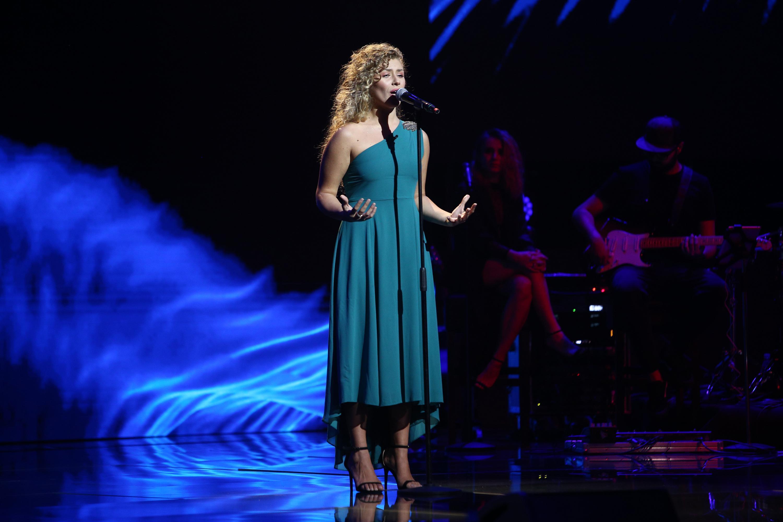 """X Factor 2020. Ana Paula Rada a interpretat piesa """"Copacul"""" în Bootcamp. Bănică: Continuă să mergi pe drumul ăsta"""