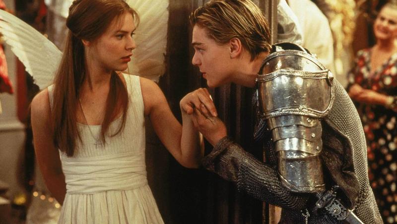 Claire Danes și Leonardo DiCaprio în Romeo și Julieta (1996)