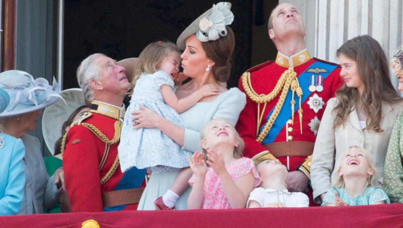Poze extrem de rare cu Familia Regala în lacrimi. Ipostazele în care Kate Middleton sau Prințesa Diana nu au vrut să fie surprinse