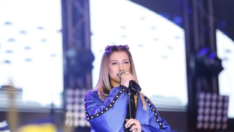 Alina Eremia, în 2017, cântând la deschiderea Târgului de Crăciun din 2017