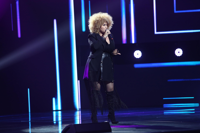 """Finaliști X Factor 2020. Sonia Mosca, tânăra care poate """"muta munții"""" cu vocea ei. Vezi momentele care au adus-o în Finală"""