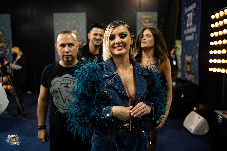 """Alexandra Stan, Bodo și tenorul Bogdan Mihai au transmis emoție pură la Marea Unire ZU 2020. Artiștii au interpretat piesa """"Cerul"""""""