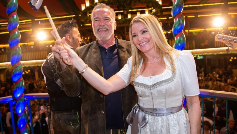 Arnold Schwarzenegger se iubește cu o femeie cu 27 de ani mai tânără decât el