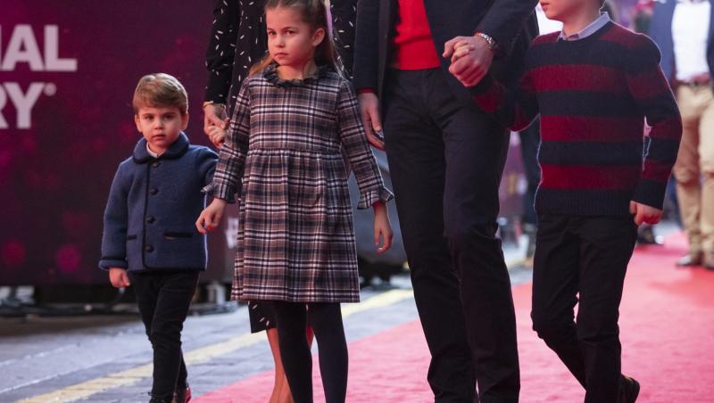 printul louis, cu George, Charlotte si parintii lor, de craciun