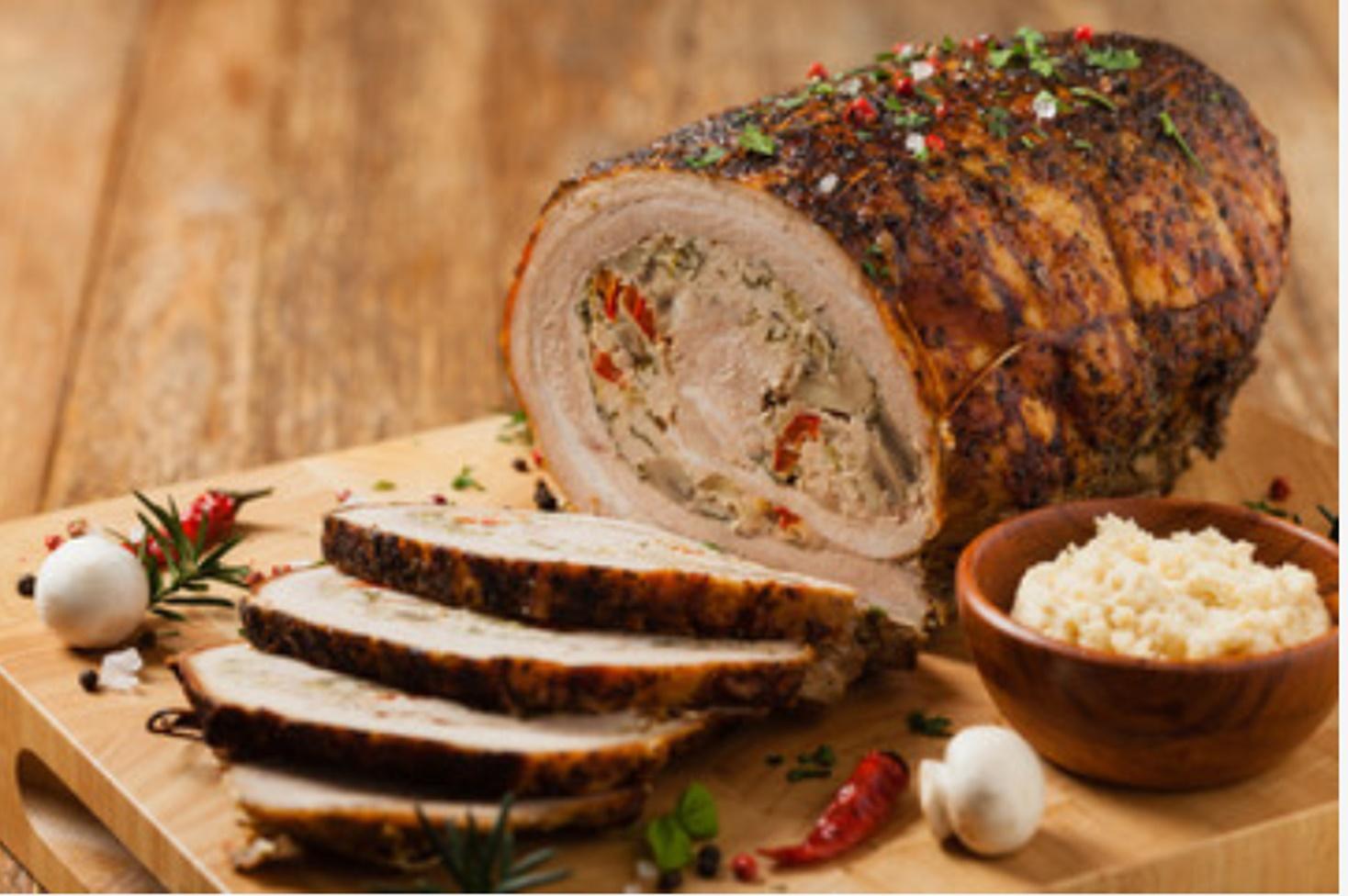 Rețetă de ruladă din carne de porc umplută cu ciuperci și dulceață de ardei iuți