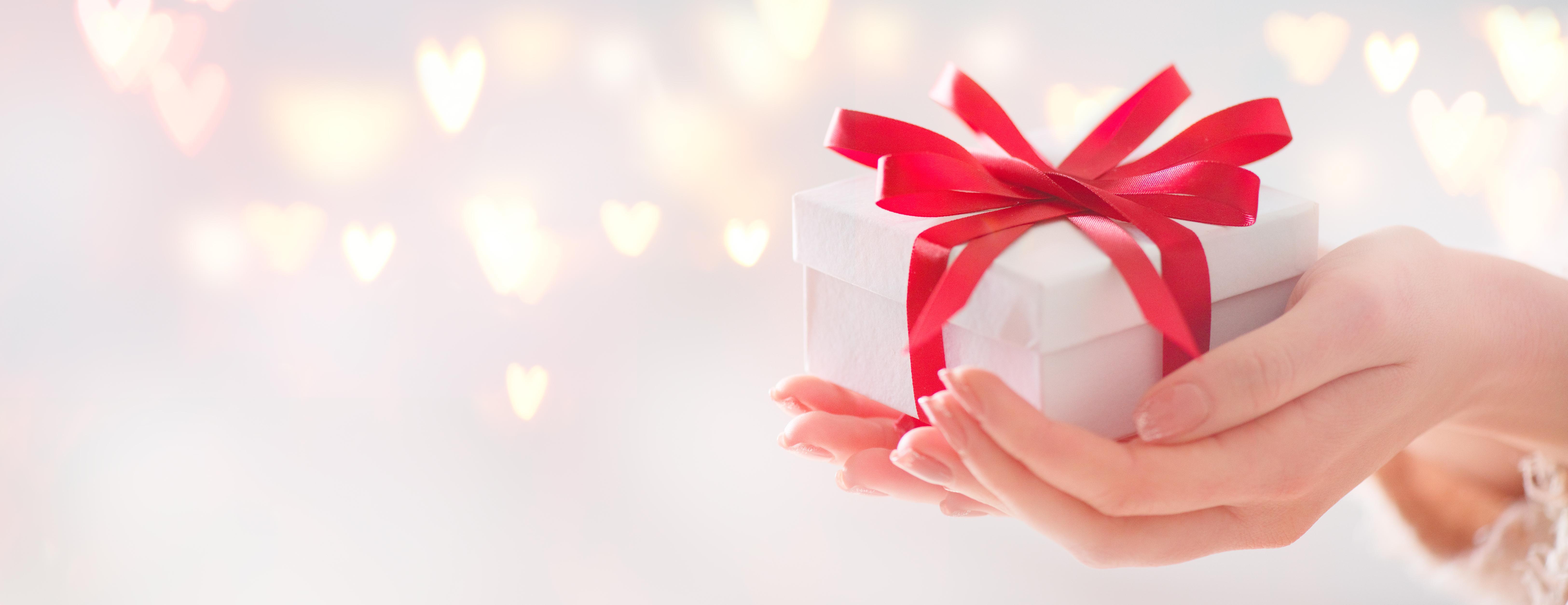 Ce fel de cadouri să faci de Crăciun, fără să dai prea mulți bani. Iată pe ce poți cheltui mai puțin