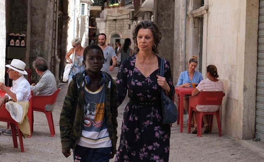 Filmul care marchează revenirea Sophiei Loren în lungmetraj, distribuit de Netflix