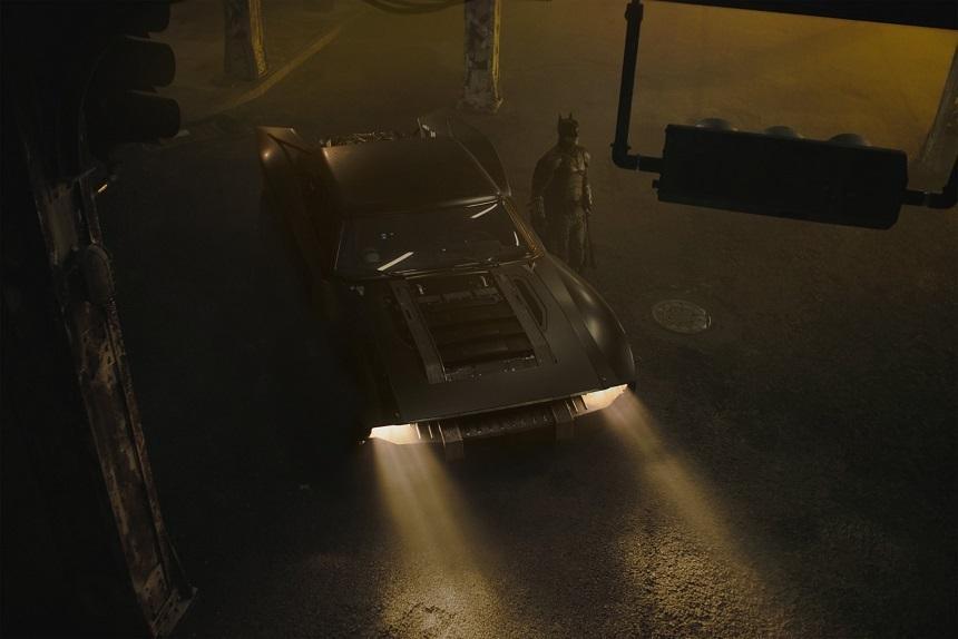 Regizorul Matt Reeves a publicat primele imagini cu noua maşină a lui Batman