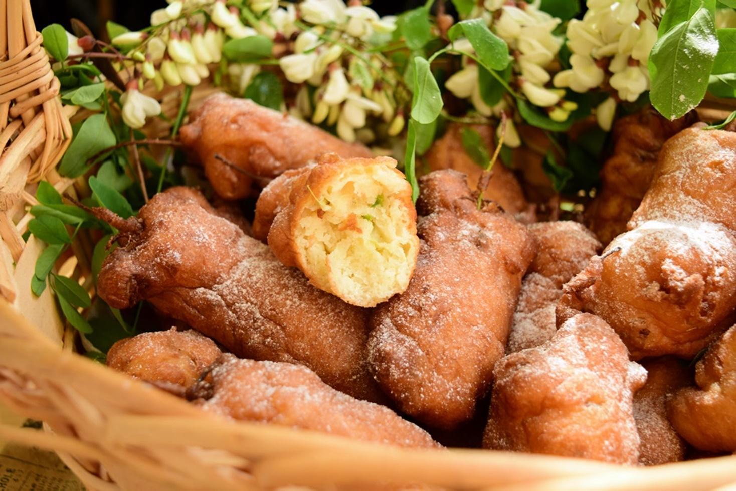Cum preparăm gogoși cu flori de salcâm, foarte gustoase și aromate