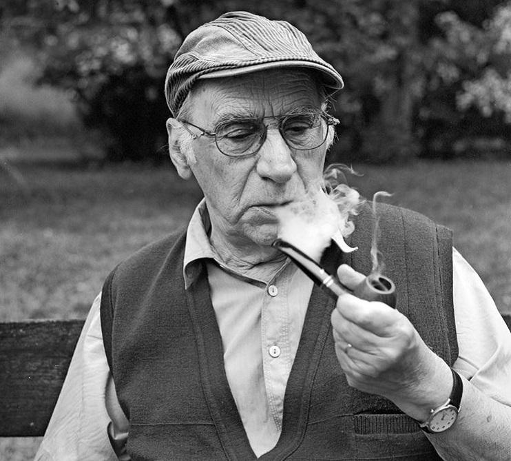Scenaristul şi profesorul Dumitru Carabăţ, premiat la Cannes, a murit la vârsta de 87 de ani
