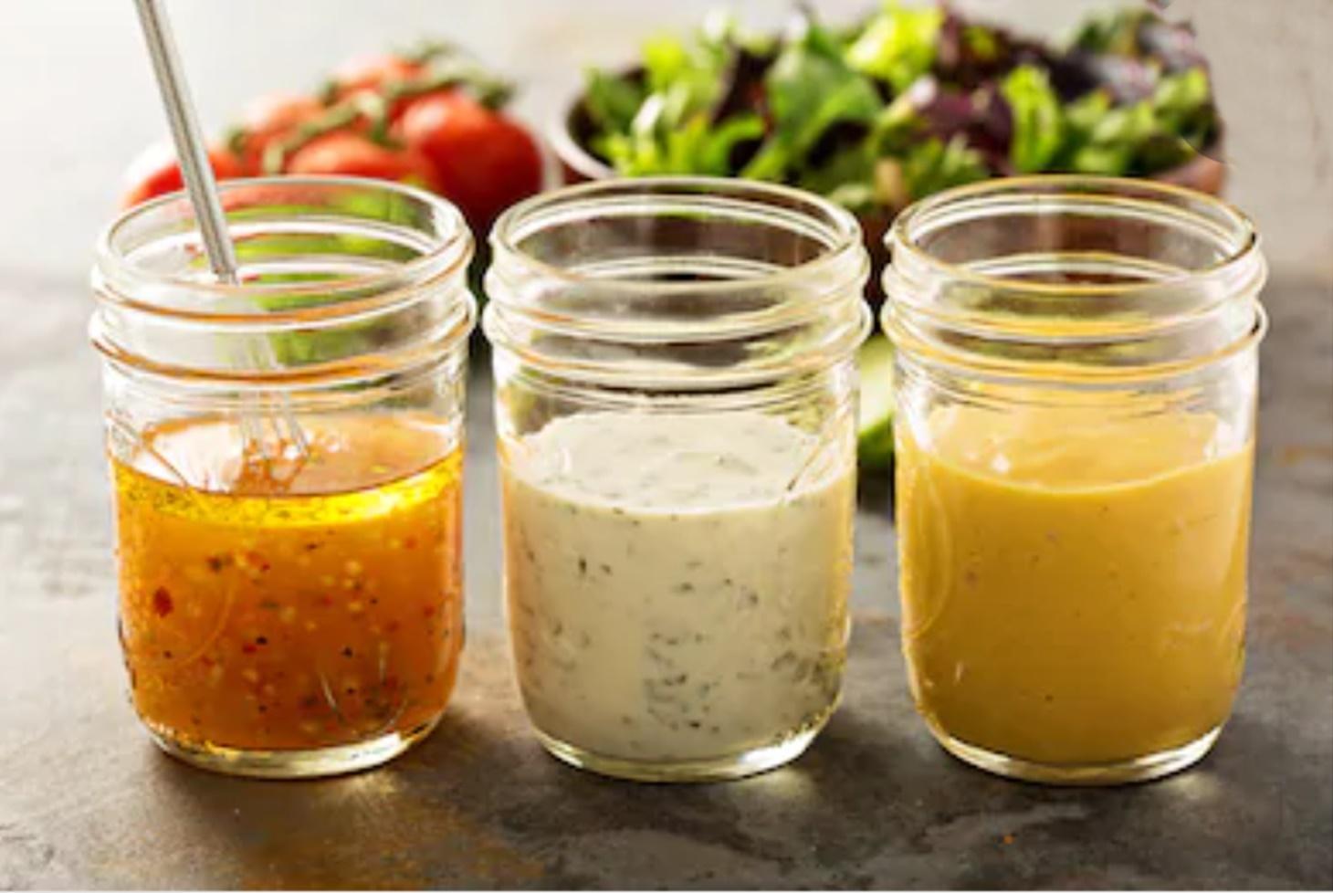 Top 3 cele mai frecvente rețete de dressing pentru salate savuroase