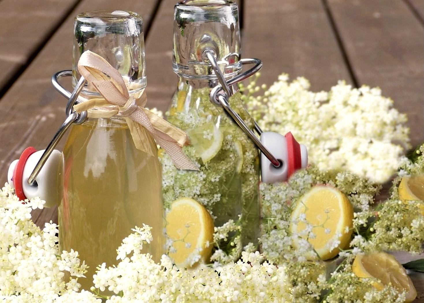 Cum se prepară Sirop concentrat de soc și Socată. Două băuturi gustoase, răcoroase și sănătoase