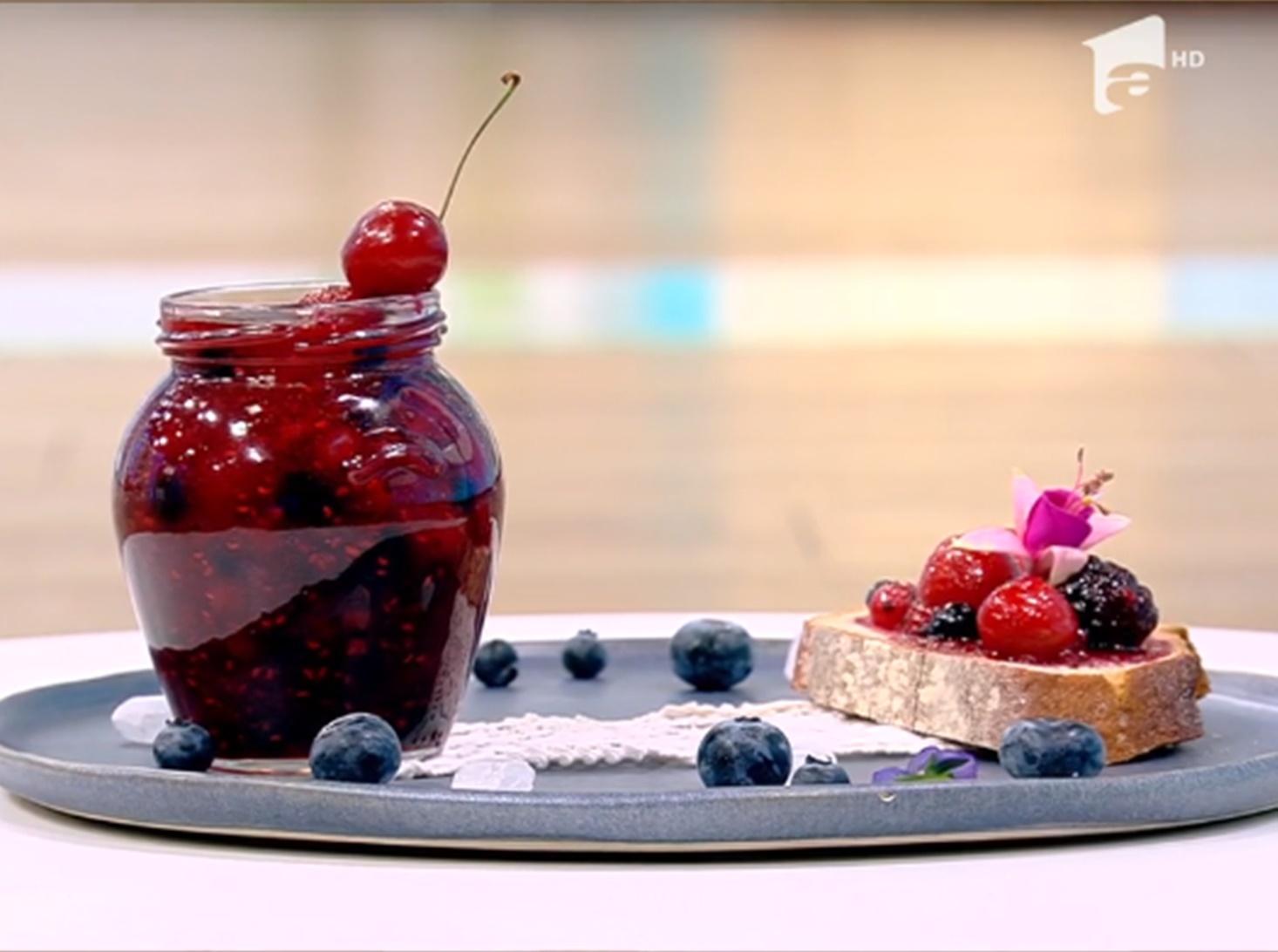 Rețetă delicioasă de dulceață din fructe de pădure și cireșe - Rețeta lui Vlăduț