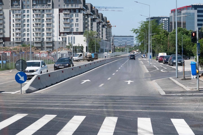 Şoseaua Fabrica de Glucoză, redeschisă traficului după lucrări de modernizare/ Au fost amenajate câte două benzi pe fiecare sens şi piste de biciclete