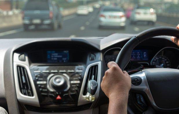 Adio, mașini cu volan pe dreapta, în România. Anunț de ultim moment făcut de RAR pentru șoferi