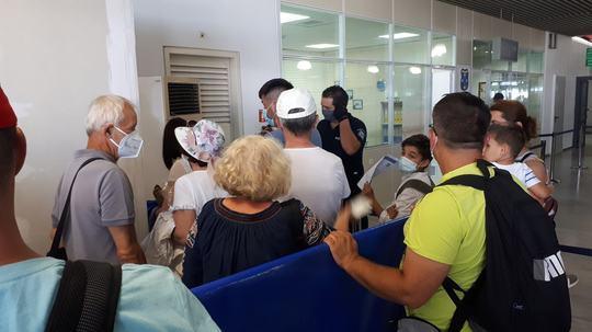 Pleci în vacanță în Grecia?  Intri automat în izolare, 24 de ore, dacă ești testat aleatoriu pentru depistarea Covid-19