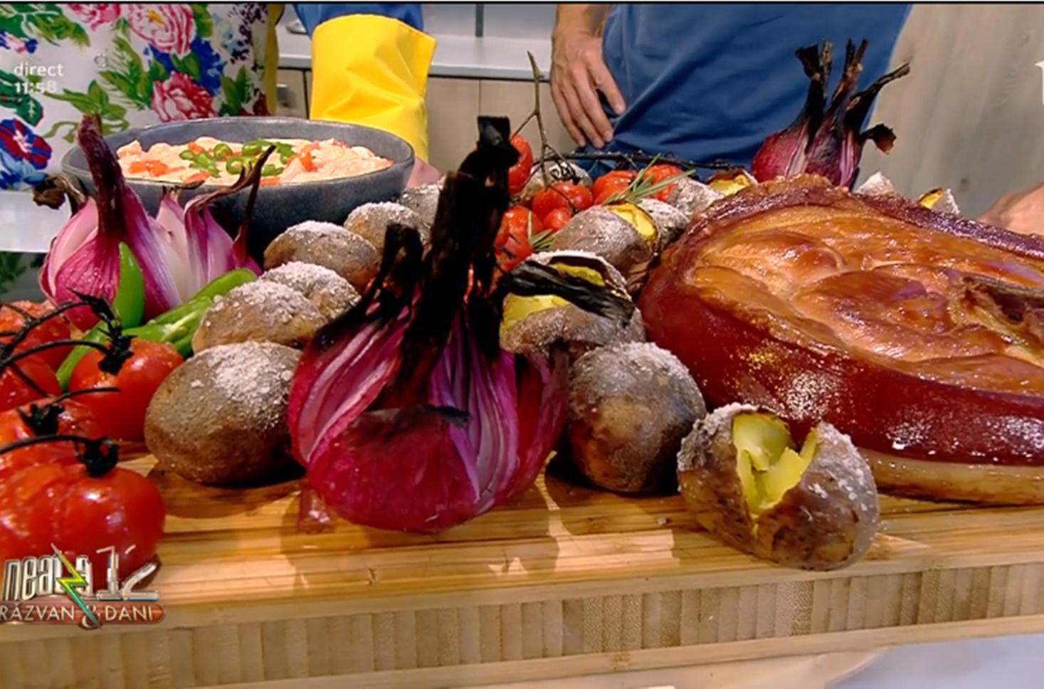 Jambon cu legume coapte și sos cremos cu roșii și usturoi. Rețeta lui Vlăduț