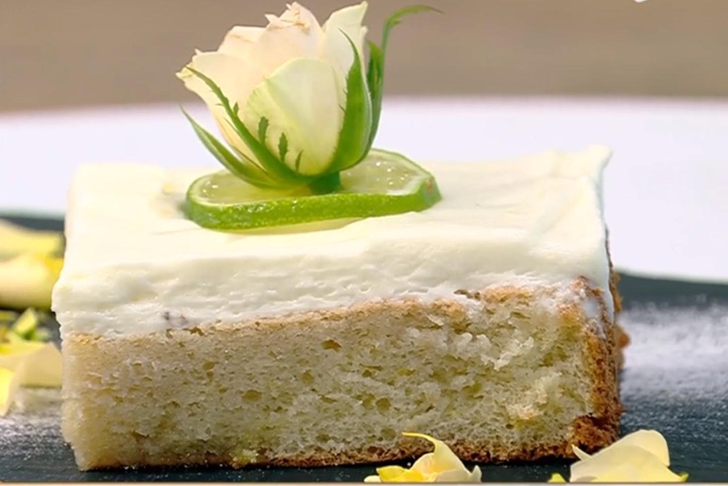 Prăjitura Teia. Rețetă de pandișpan cu aromă de tei și cremă de lămâie