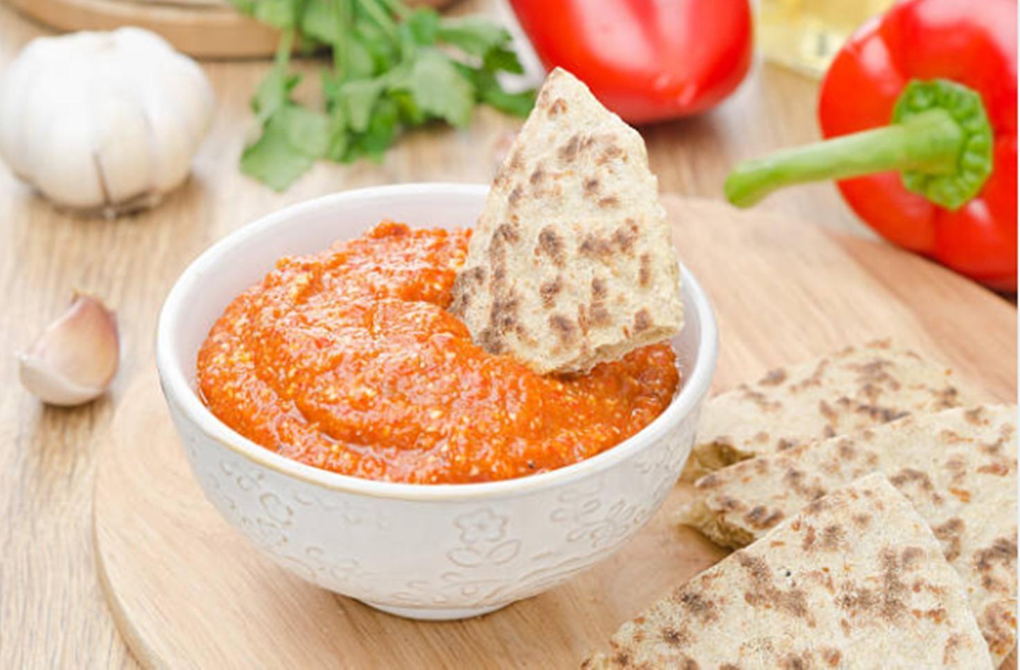 Rețetă de sos Ajvar. Sos sârbesc de ardei copți