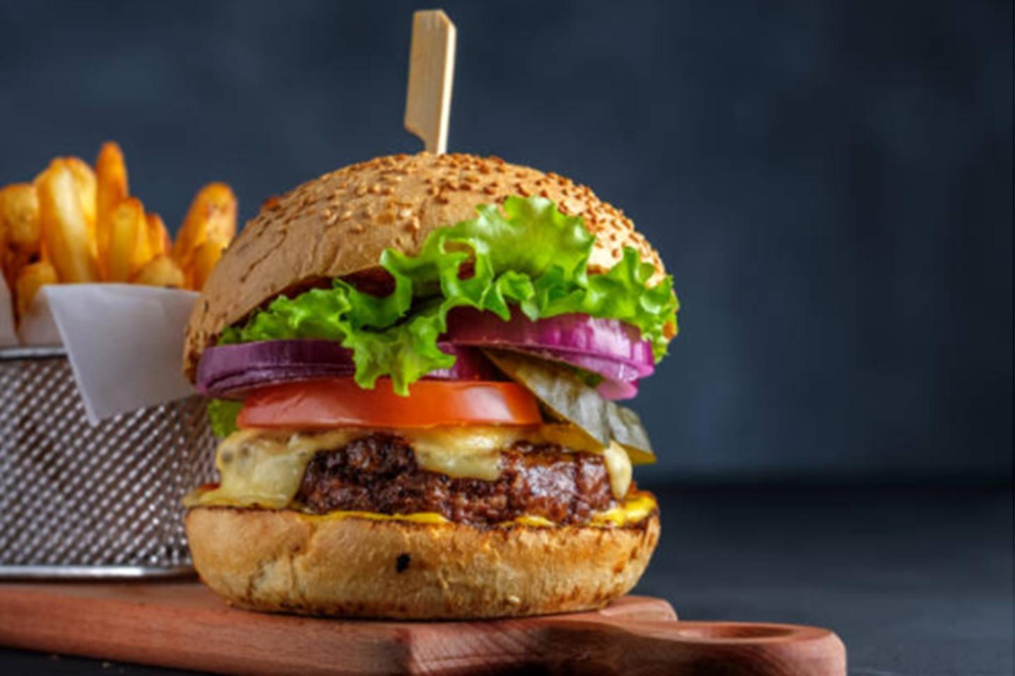 Rețeta senzațională de burger propusă de Chef Scărlătescu