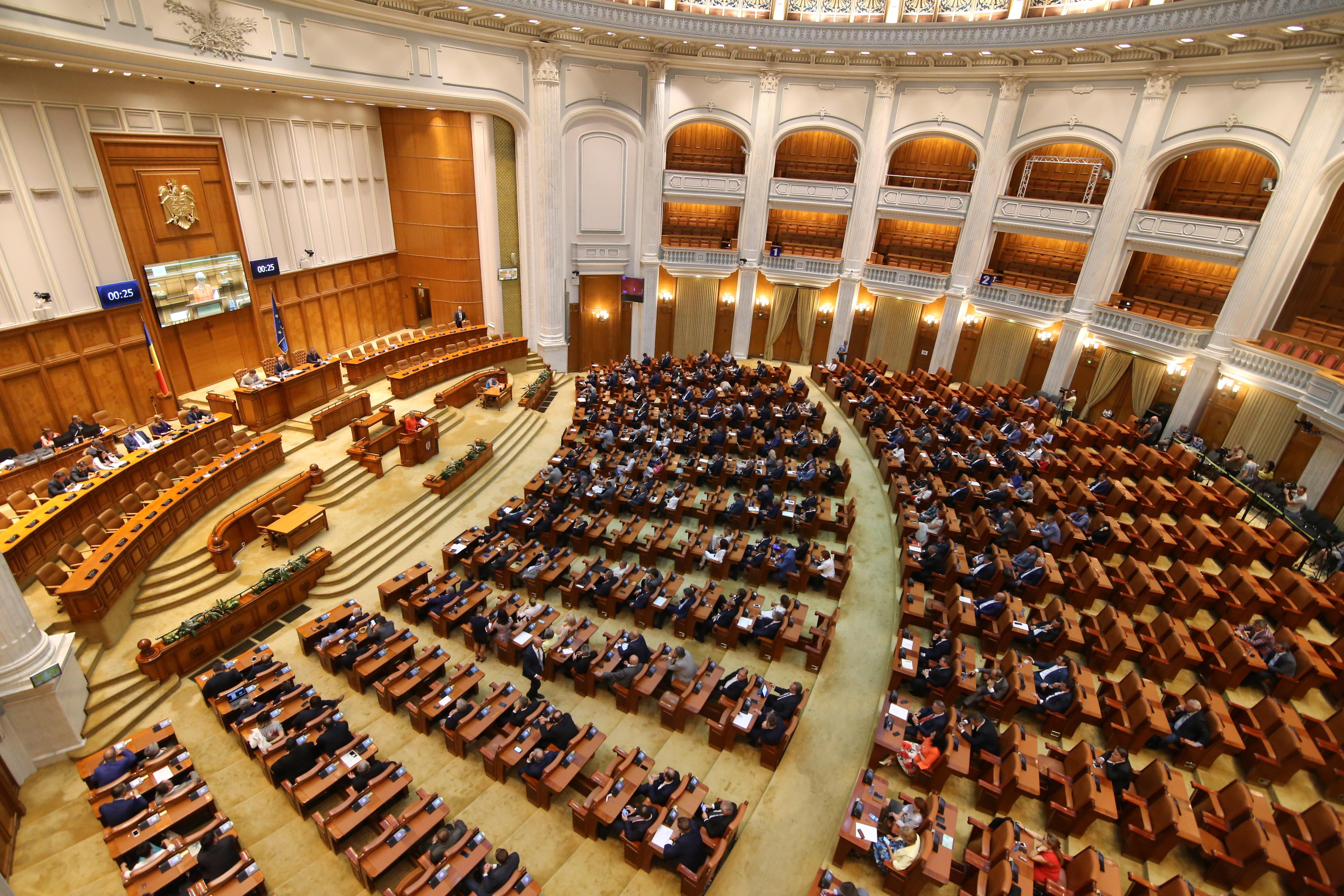 Legea carantinei și izolării a fost votată! Ce se va întâmpla cu asimptomaticii și cu cei care sosesc în România