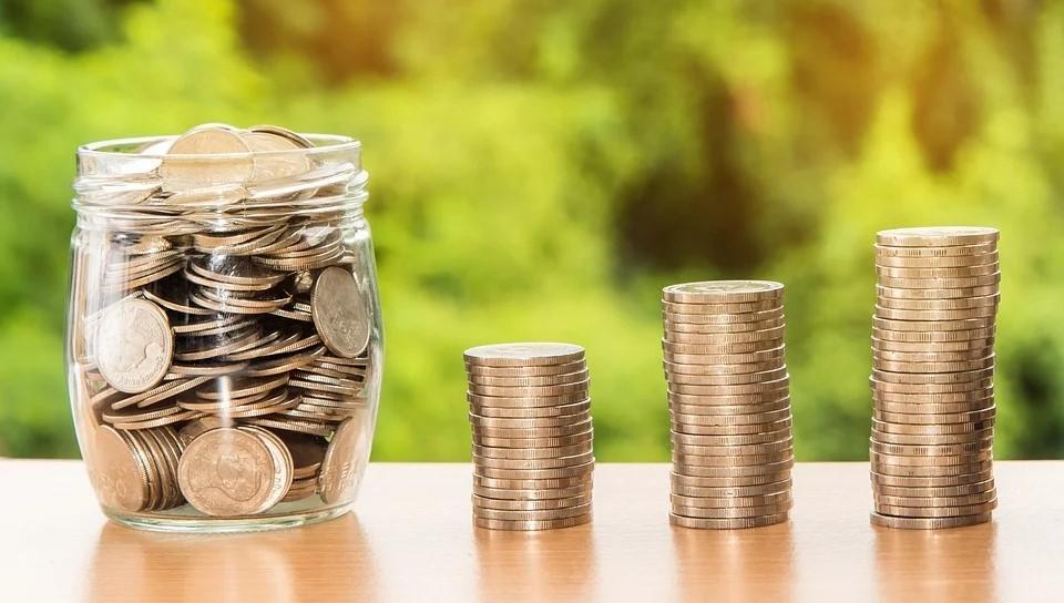 Cum vă gestionați banii în calitate de bunici? Top 4 sfaturi de urmat