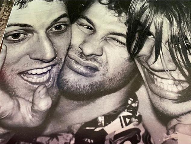 A murit Jack Sherman, fost chitarist al trupei Red Hot Chili Peppers'! Avea 64 de ani