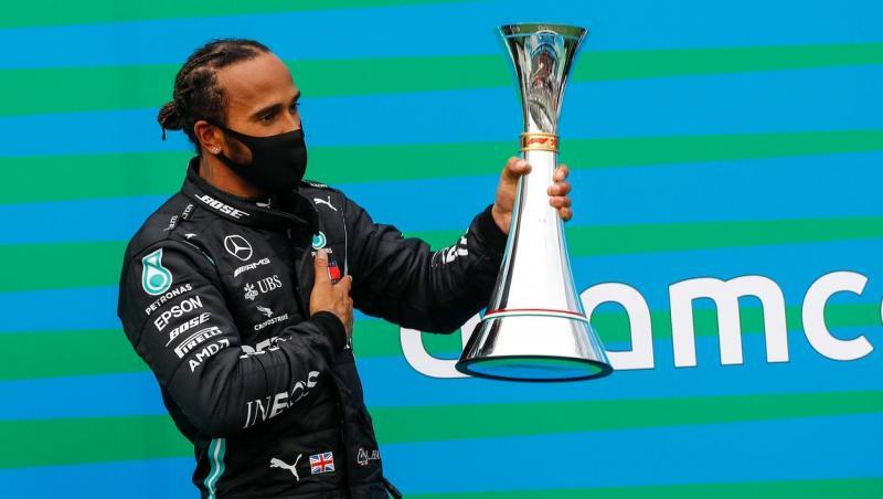 Lewis Hamilton, pe podium la Formula One Hungarian Grand Prix
