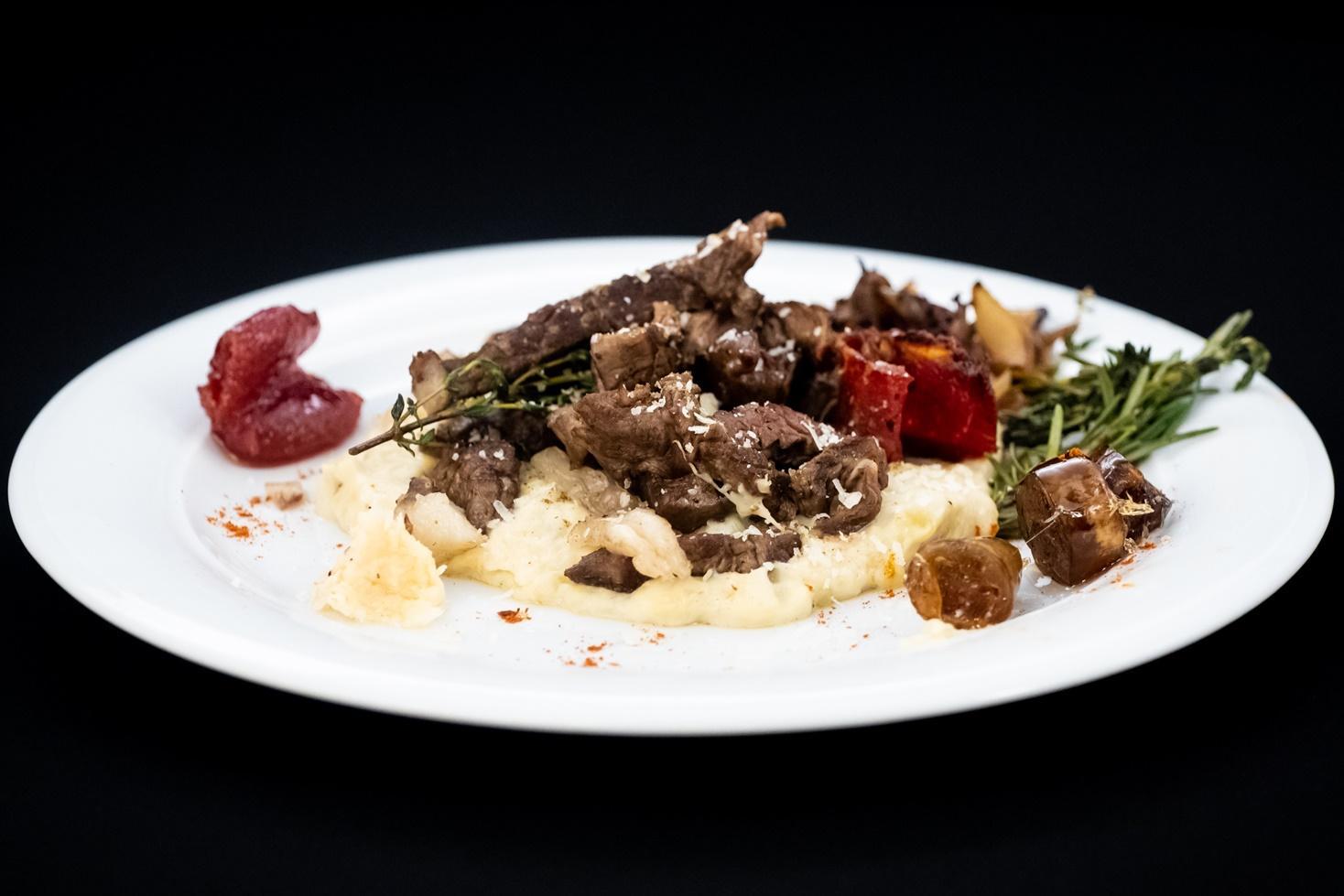Rețetă de shaorma altfel. Shaorma turcească cu sos bechamel și legume caramelizate