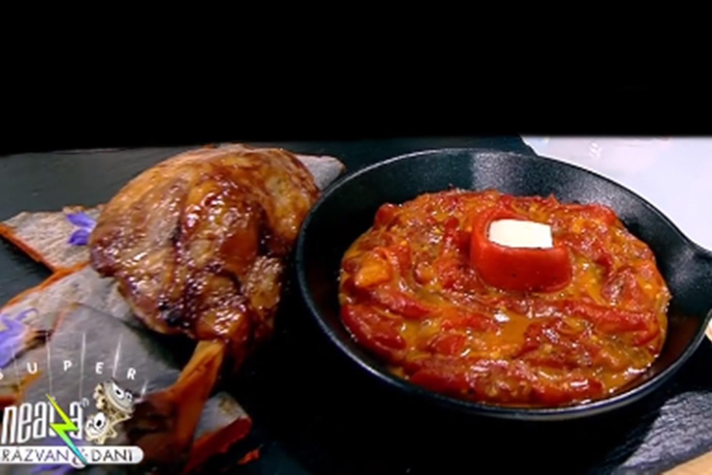 Salată de ardei copți cu muștar și miere. Reţeta lui Vlăduţ