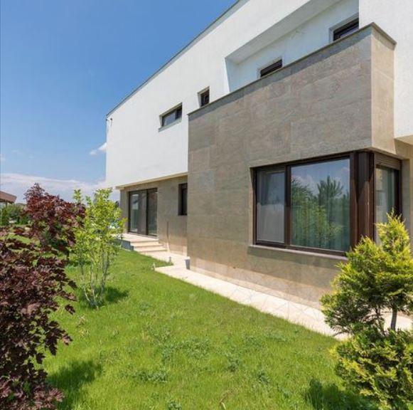 Tencuială decorativă sau lavabilă? Cu ce finisezi fațada casei?